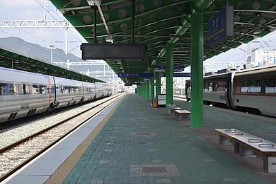KTX散策: 馬山駅 / Masan sta./...